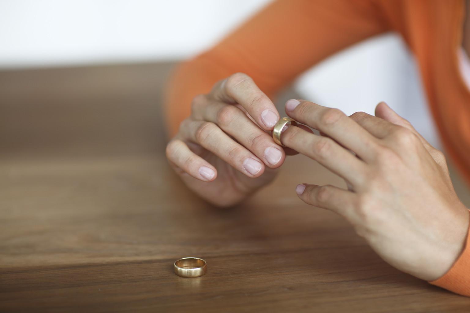 Boşanma Davasında Taraflardan Birinin Ölümü ve Miras